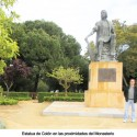 Estatua en homenaje de Cristóbal Colón en el Monasterio de la Rábida