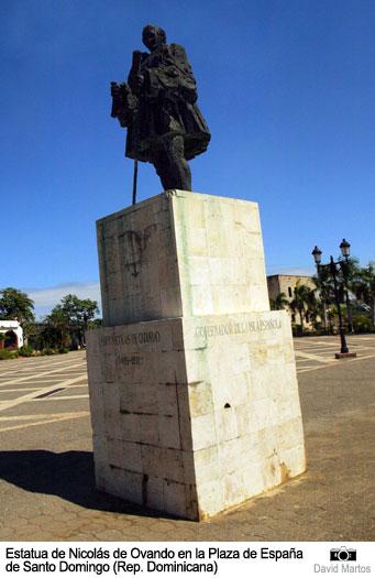 Estatua de Frey Nicolás de Ovando en Santo Domingo