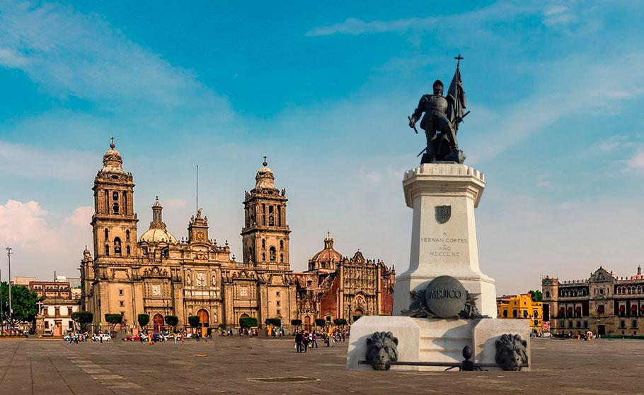 Estatua de Hernán Cortés en México